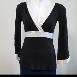 NY & CO Stretch blouse bell sleeves size XS